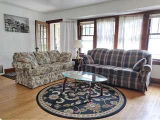 Charming Shorewood Home close to Lake Michigan