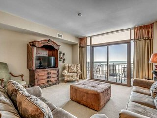 Stunning 8th Floor Oceanfront Condo in North Beach Plantation