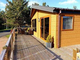 Serenity - beautiful and stylish lodge, sleeps 6
