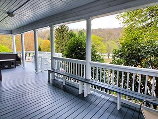 Gorgeous 3 Bedroom House in the Heart of Ohiopyle!
