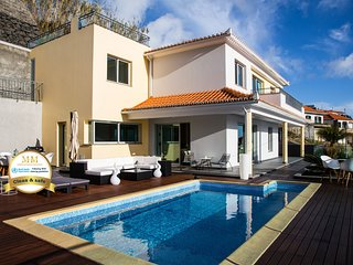 Estrela do Mar - by MHM - Lovely, Sun Filled Villa