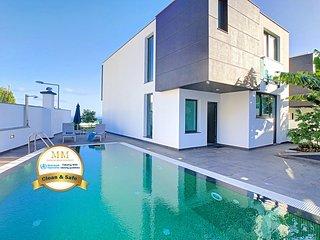 Villa Orca by MHM