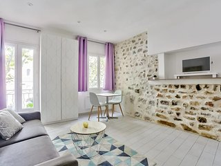 Modern spacious apartment in heart of Frejus by easyBNB