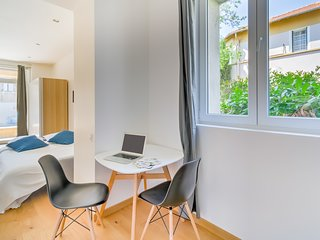 A renovated studio in Aix city centre near the thermal baths by easyBNB