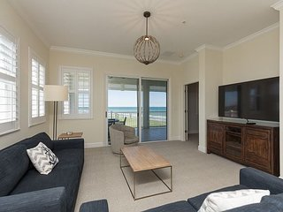 5th Floor Oceanfront Corner Unit 451 !! Incredible views up the coastline!!