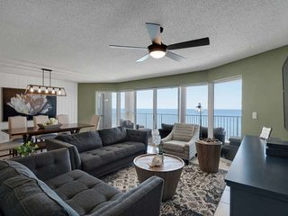Newly Renovated with Gulf View Master Bedroom! Free Beach Chairs and Umbrella Da