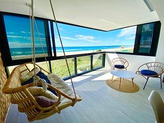 ABSOLUTE BEACHFRONT – SLEEPS 8 – AMAZING OCEAN VIEWS – SOURTHERN SURFERS PARADIS
