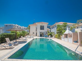 Jason Villa 4, 4 Bedrooms villa in Fig Tree Bay Beach with sea views