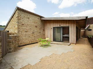 Idyllic accommodation in Bruton, Somerset, the best town & country can offer.