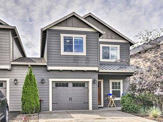 NEW! Charming Portland Home w/Yard 9Mi to Downtown