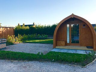 Orchard Glamping -Willow Pod