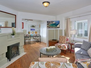 Adorable Downtown Cottage, Walk to Shopping, Dining, Theater, Cottage Hospital