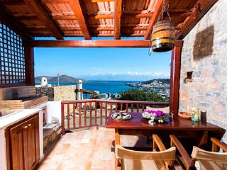 The Traditional House Leonidas w/ amazing seaview