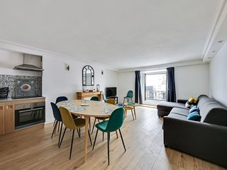 112-Suite PATRICK,Design 3BDR Flat, Best Loc Paris