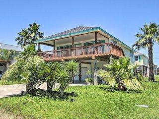 Bright & Breezy Home w/ Super Deck, Walk to Beach!