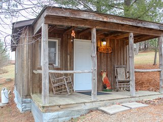 Fox Den Cabin 1st Choice Cabin Rentals Hocking Hills Ohio between Logan & Athens