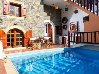 Cretan Traditional Villa w/ private pool (E&C)