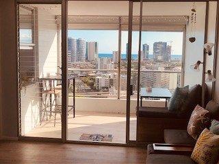 Large, bright one-bedroom, top-floor unit! Enjoy Ocean view on beautiful lanai!