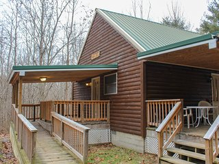 Hawk's Nest Cabin 1st Choice Cabin Rentals Hocking Hills between Logan and Athen
