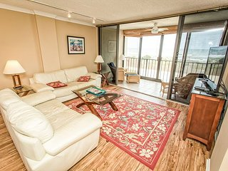 The Islander 2D Breathtaking Oceanfront Views with Incredible Amenities!