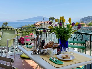 Lady Elena suite seaview and terrace in Sorrento center