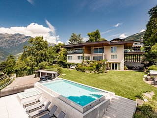 Schenna Chalet - Luxury Panoramic Apartment