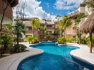 Luxury 2BR Condo By Greenwood Properties