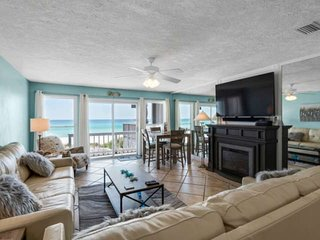 Emerald Winds 2BR/2.5BA Beach Townhome Directly on the Beach Located Near Pier P