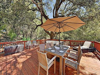 Modern Wine Country Mountain Home: 4 Scenic Acres w/ Hot Tub & Pool