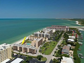 Spectacular View of the Gulf! Private Beach Front! Pool! Free Undercover Parking