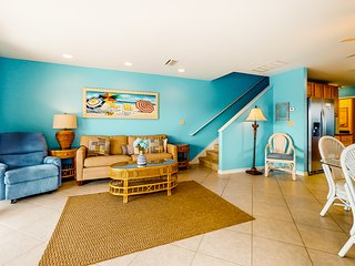 Family-friendly getaway w/ shared outdoor pool, outdoor shower, & beach access!
