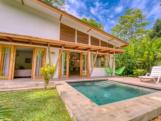 CASA DUNA. Tropical cozy house with pool