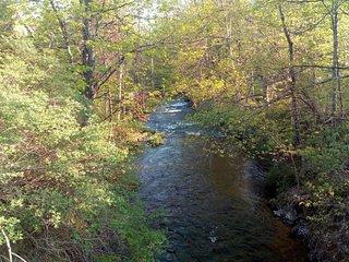 Tentrr Signature Site - A Riverwalk