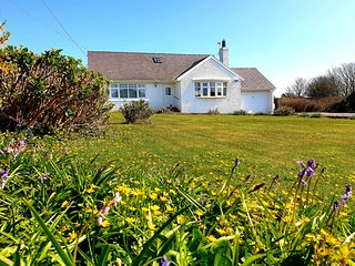 TIRNANT - Detached Family Cottage with large and enclosed gardens