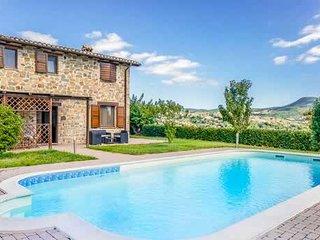 4 bedroom countryside villa w/ WIFI & pool towels