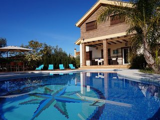 Luxury villa with heated pool Alh.el Grande MALAGA