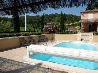 PROMOTION JUIN - Maison provencale avec jardin et piscine privee et chauffee