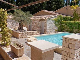 PROMOTION JUIN- Gite tout confort avec terrasse et jardinet - Piscine partagee