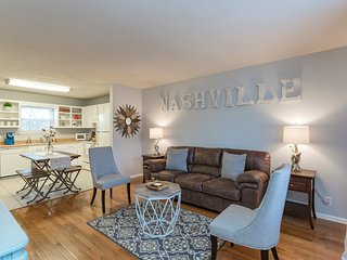 Nashville Chic | 10min from downtown!