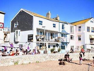 Crab Shack - 'Beachside duplex apartment'