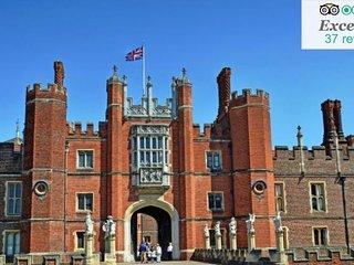 1 bed maisonette near Hampton Court & River Thames/5 mins walk to rail