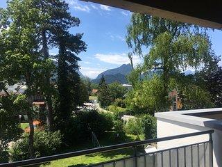 Geräumiges Deluxe Loft Apartment mit großem Balkon und Blick auf die Berge