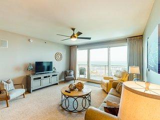 Gorgeous beachfront condo w/ shared pool & beach access!