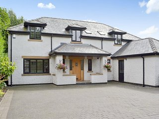 6 BED DETACHED HOLIDAY HOME