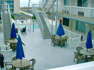 Oceanview Beach Block Updated Condo with Pool and Elevator! 25 year age minimum