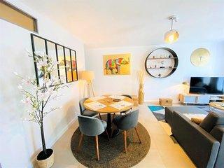 Bel appartement 3* WIFI Netflix a 200m plage, au centre de TREGASTEL