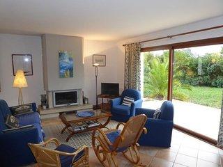 Dans impasse , maison 5 chambres - tout confort -  jardin clos (030)