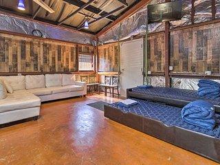 NEW! Unique Studio ~4 Mi to Downtown Houston TX US