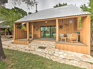 NEW! Stylish Cabin w/ Lake Travis & Pool Access!