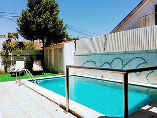 TripGeo Pinhal da Aroeira Villa - with pool, close to the beach